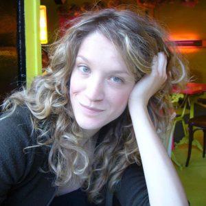 Iouliani Theona